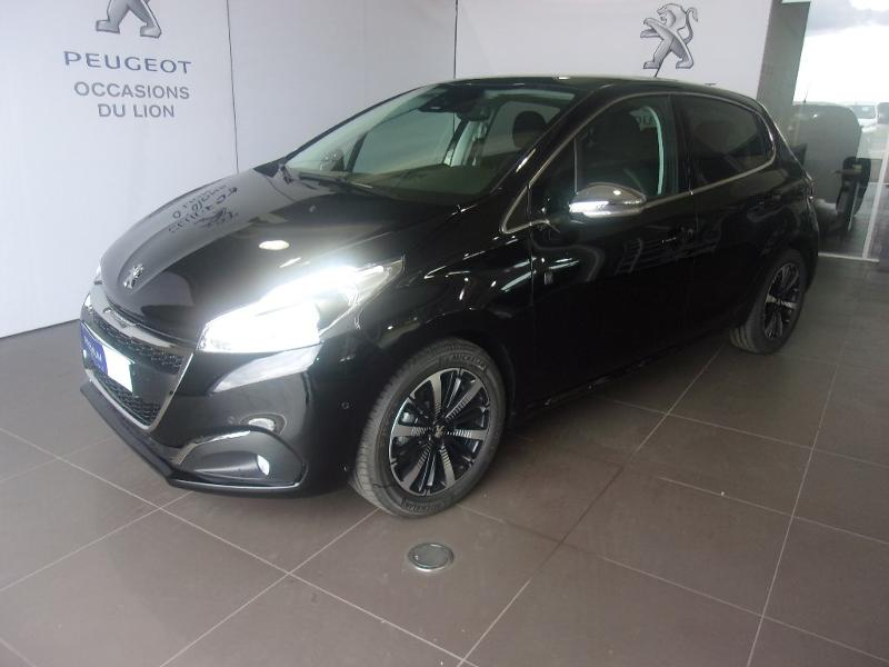 photo de PEUGEOT 208 1.2 PureTech 110ch E6.c Tech Edition S&S EAT6 5p